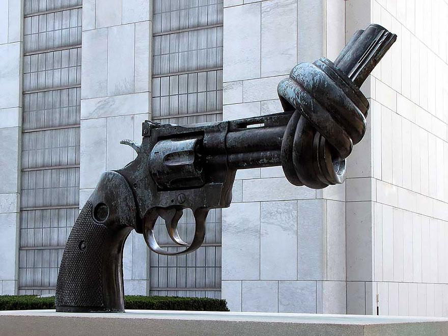 statue belle pistola annodata