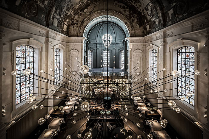 The Jane Restaurant In una chiesa sconsacrata, Antwerp, Belgium
