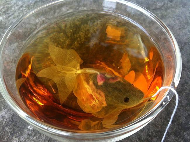 bustina di thè a forma di pesce