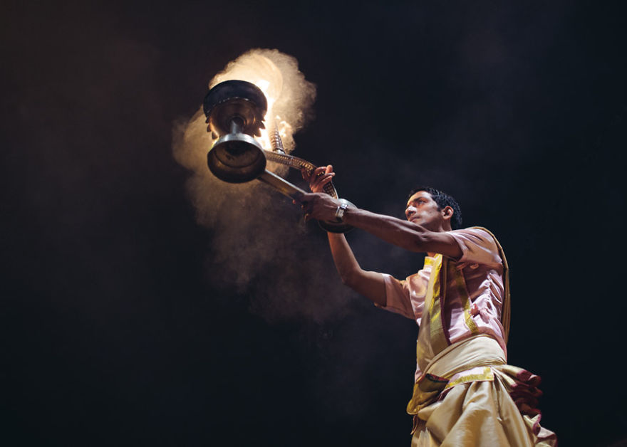 uomini sacri di varanasi Brahmin