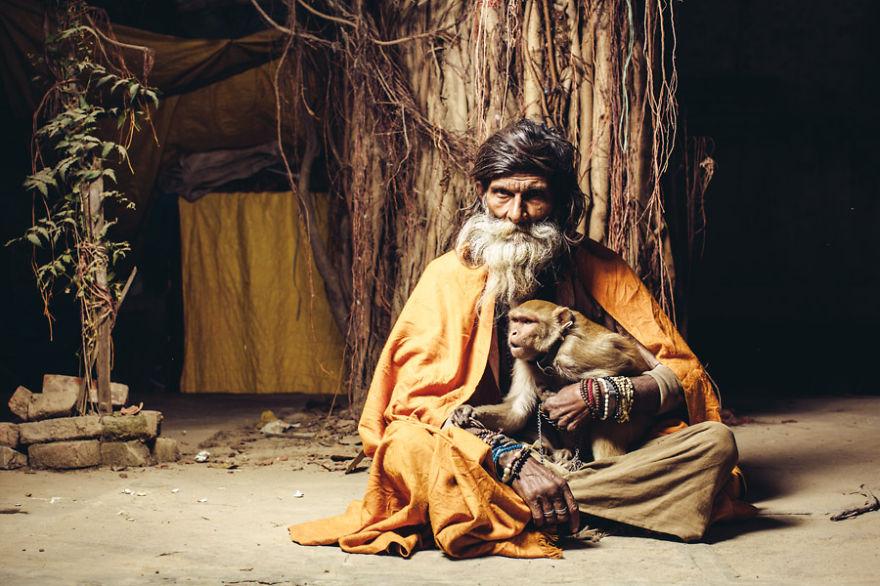 uomini sacri di varanasi Baba Bhokali
