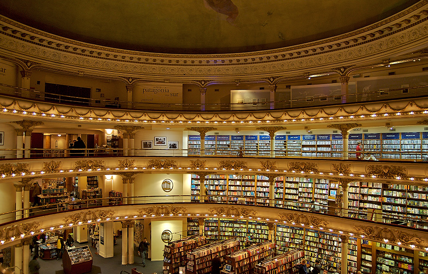 teatro trasformato in libreria