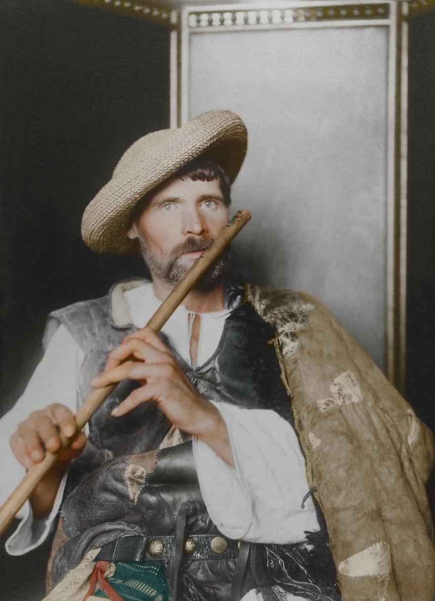 Vestiti di un pifferaio rumeno (1910)