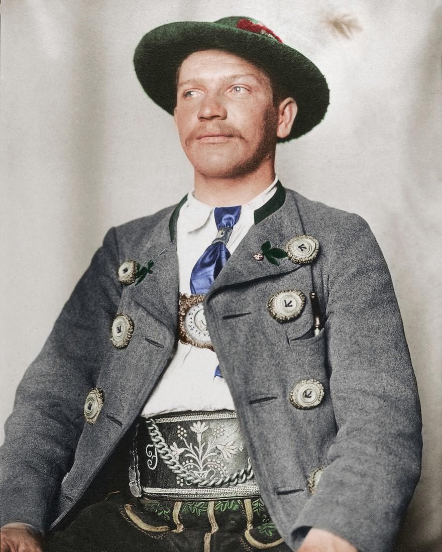 Tradizionale vestito bavarese del 1900