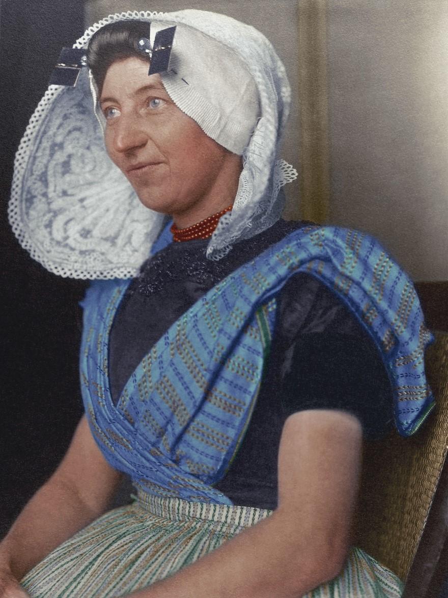 Vestiti di una donna olandese nel 1910