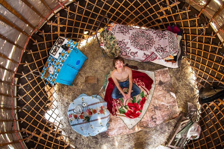 Giaciglio di un ragazzo in Kazakhistan