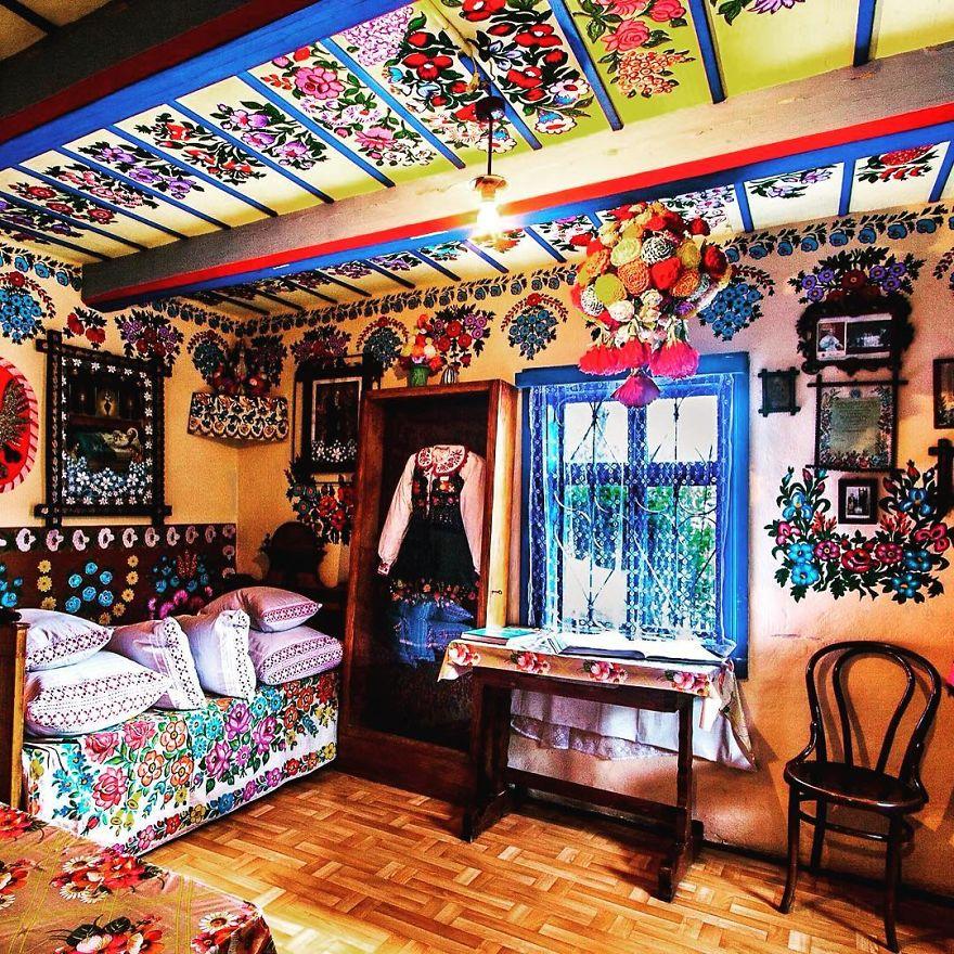 zalipie, villaggio con fiori dipinti