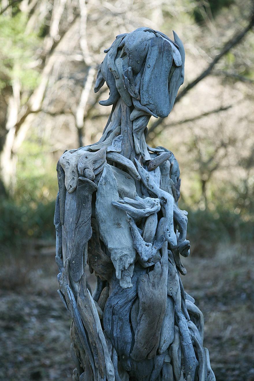 sculture di legno spettrali