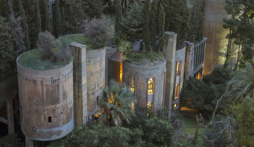 fabbrica di cemento trasformata in abitazione