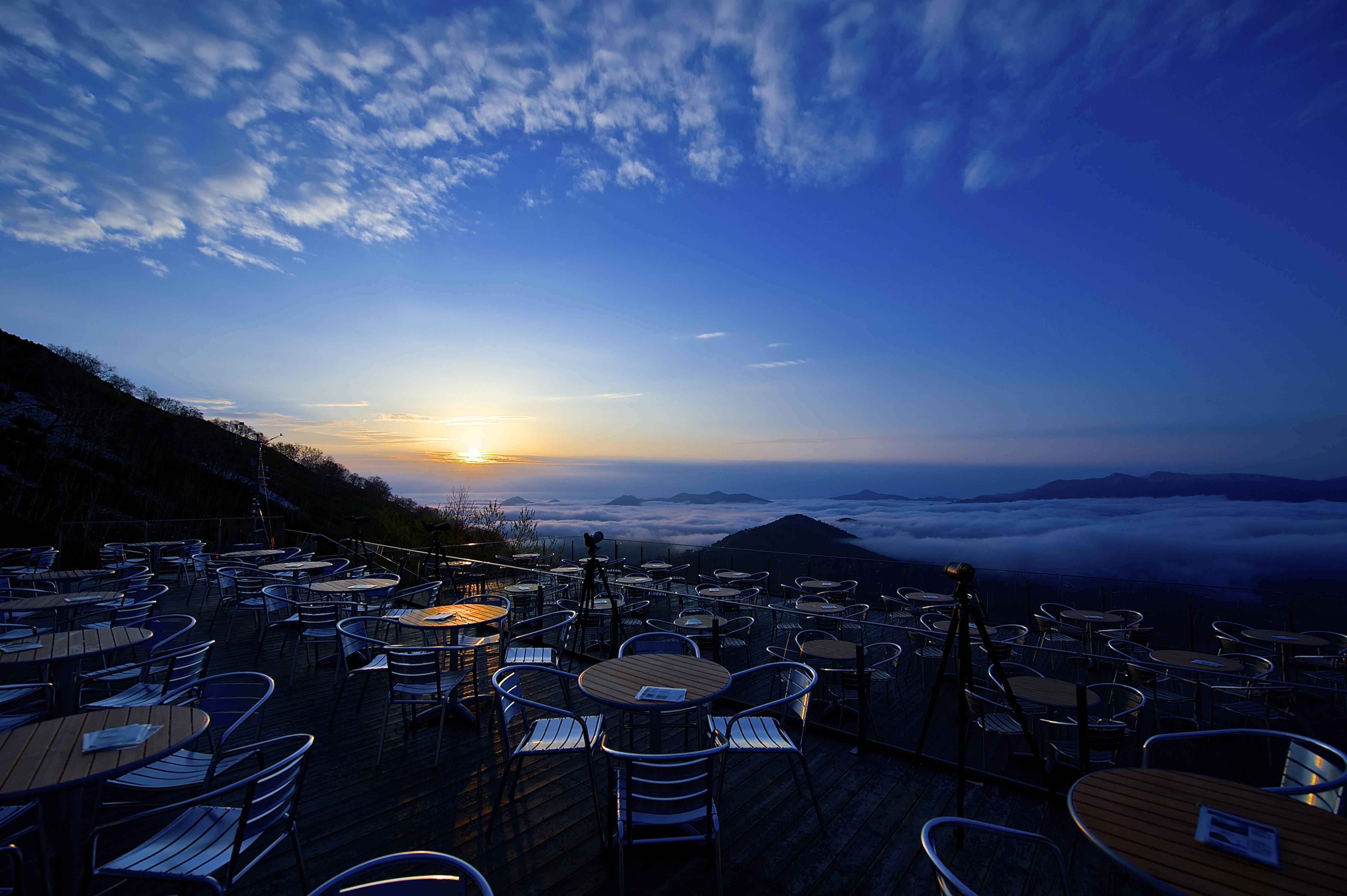 terrazzo unkai su un mare di nuvole