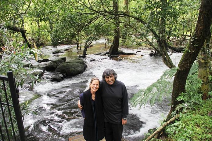 coppia ricostruisce una foresta in india
