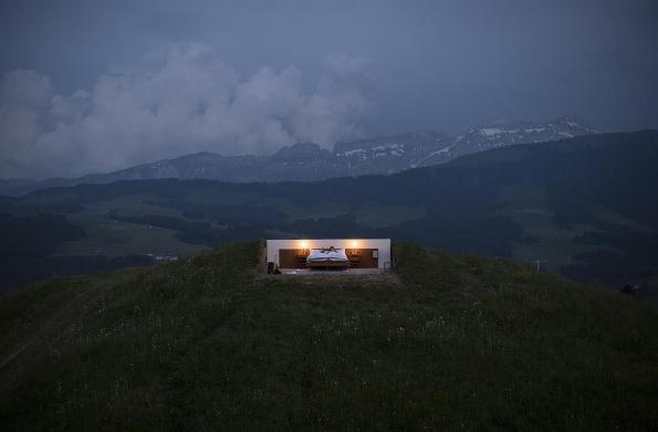 hotel zero stelle svizzera senza pareti