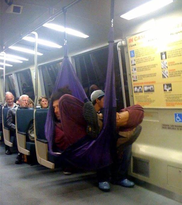 cose strane sulla metropolitana