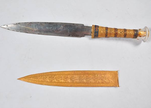 pugnale di Tutankhamon fatto di ferro di meteorite