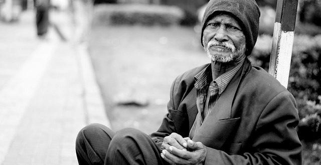 Le Persone Povere.Uno Studio Del 2014 Ha Scoperto Che Le Persone Povere Sono