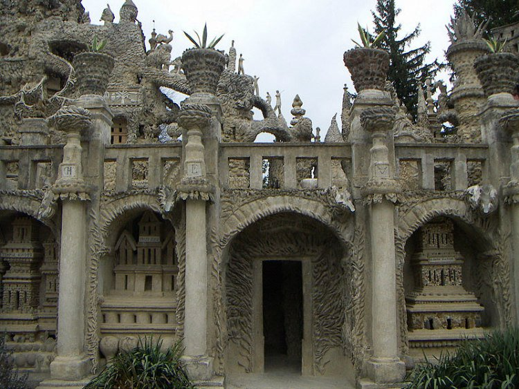 Palazzo Cheval
