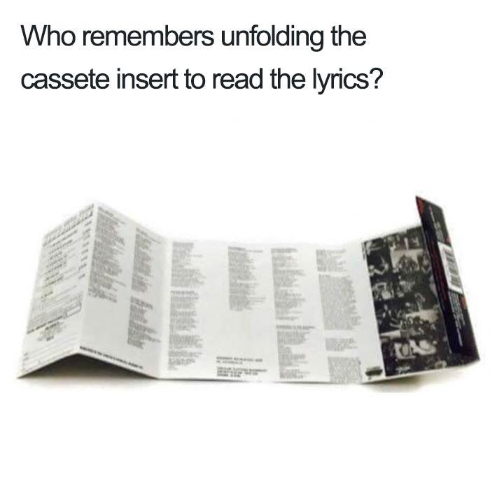 Quando si apriva il foglietto delle cassette per leggere i testi delle canzoni