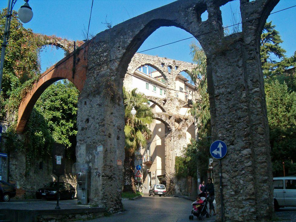 Archi del diavolo, Salerno