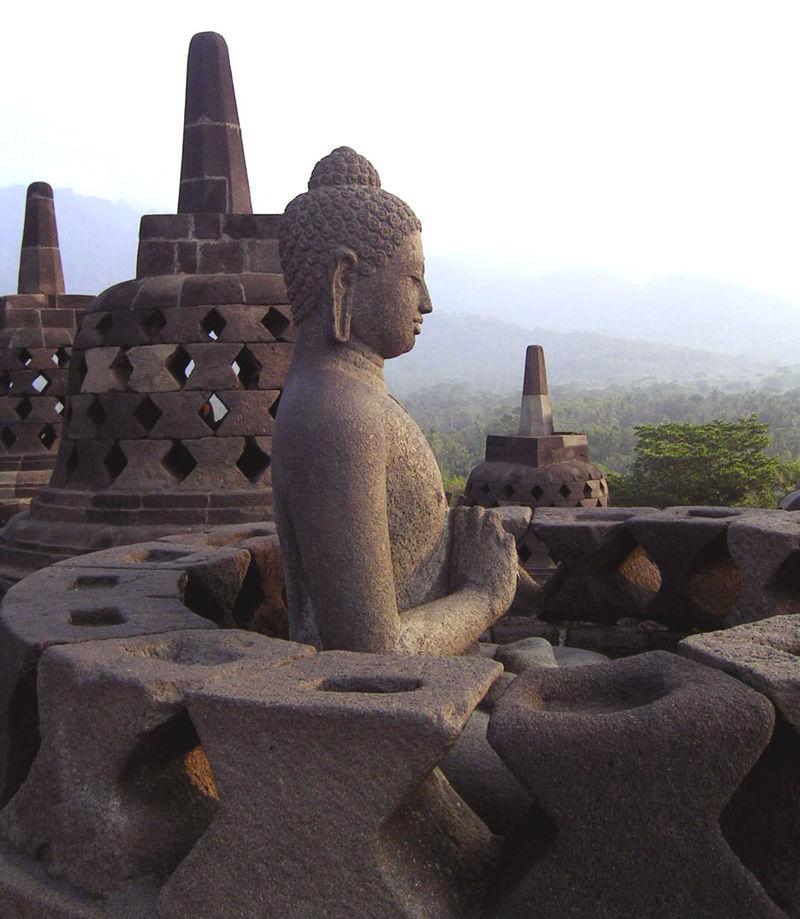 Una statua di Borobudur