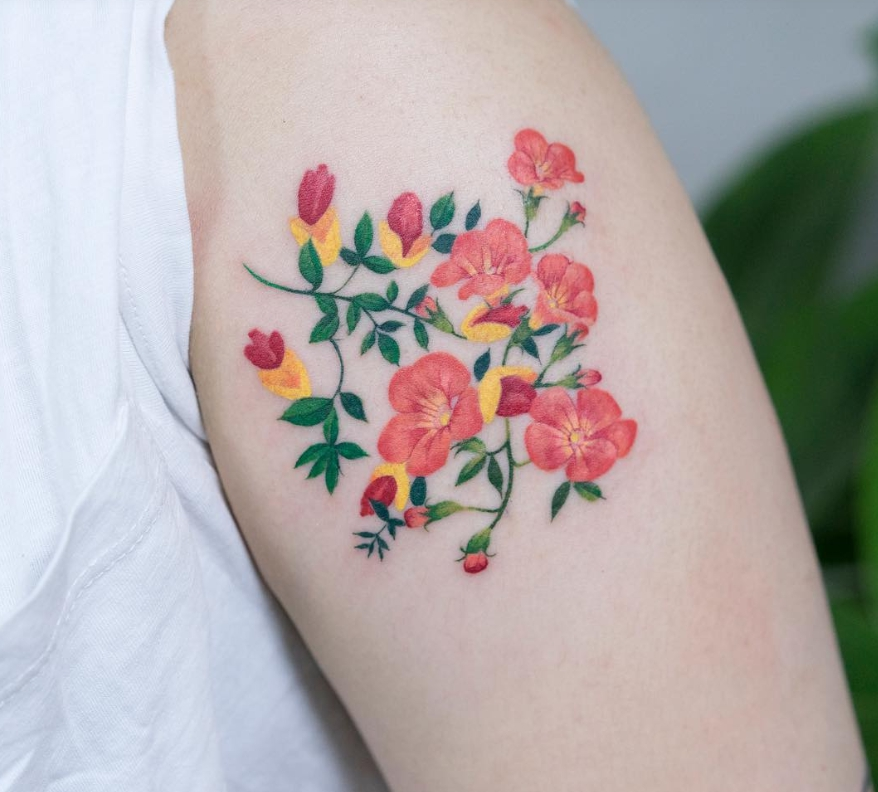 Tatuaggi con fiori e piante