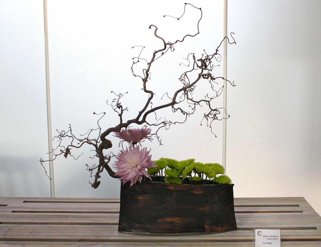 Composizione floreale giapponese ikebana
