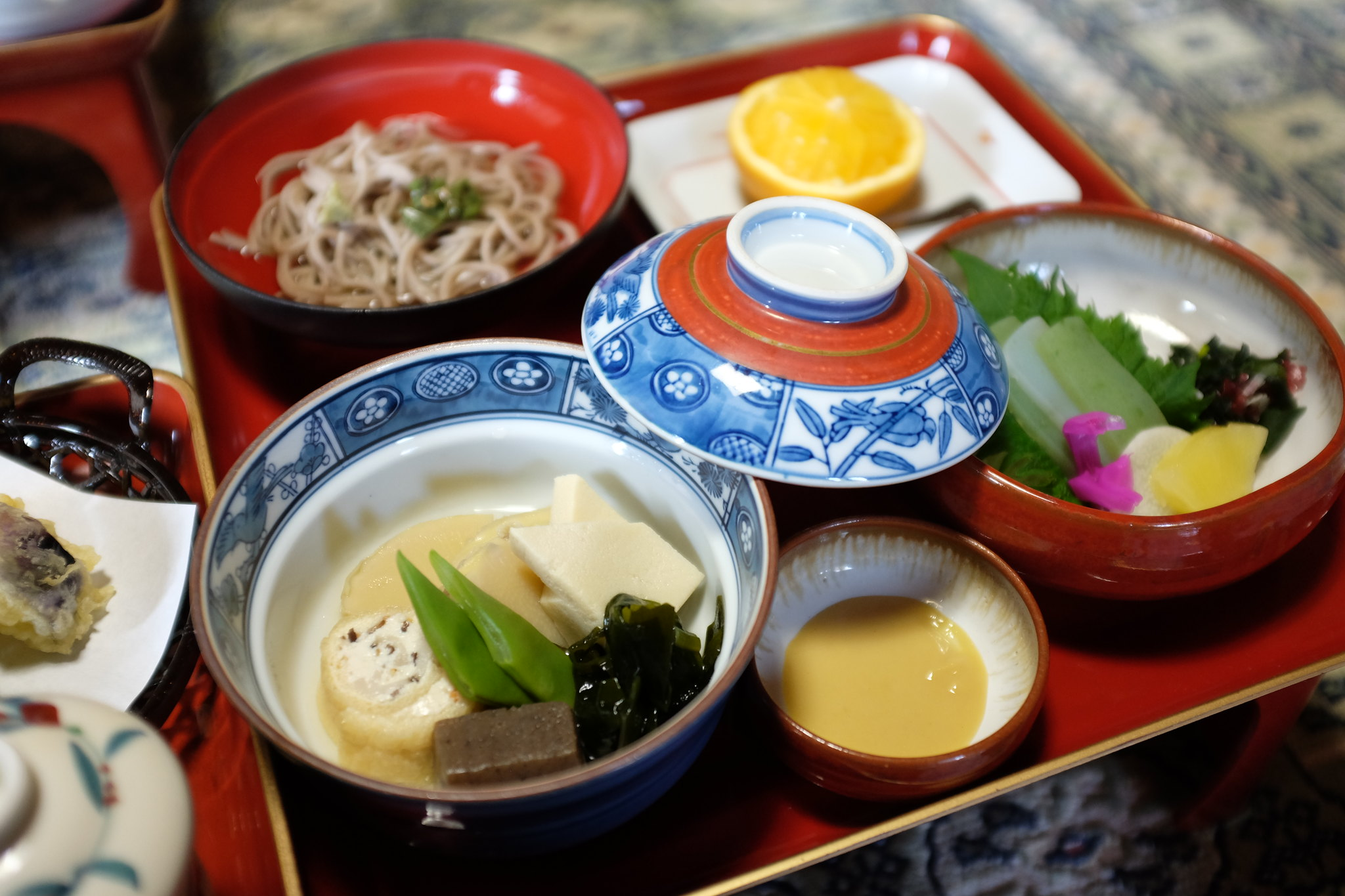 Cena al tempio Ekoin